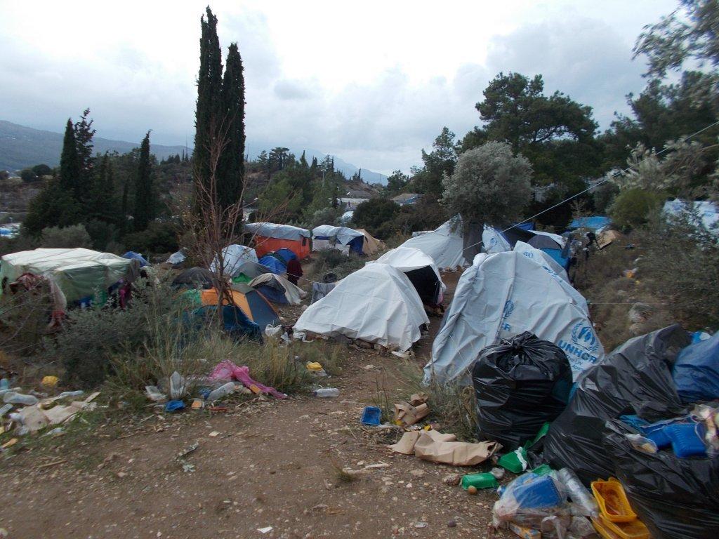 صورة من الأرشيف تظهر مخيم للاجئين في ساموس اليونانية
