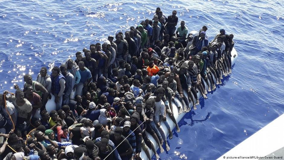 File photo provided by the Libyan Coast Guard of migrants intercepted offshore near Gohneima, east of Tripoli, June 24, 2018 | Photo: picture-alliance/Libyan Coast Guard