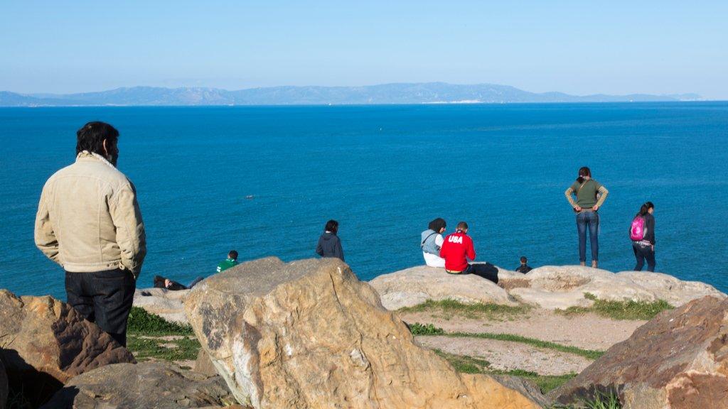 Depuis Tanger au Maroc, on peut apercevoir les côtes espagnoles, situées à seulement une dizaine de kilomètres. Crédit : Getty images