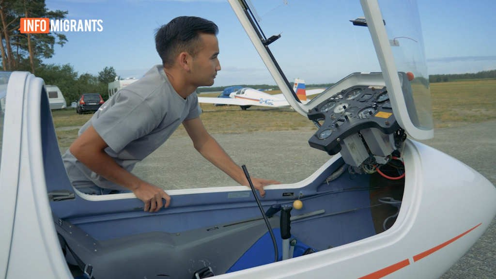 Ali Noori studied for his glider licence in Germany   Source: Video report InfoMigrants