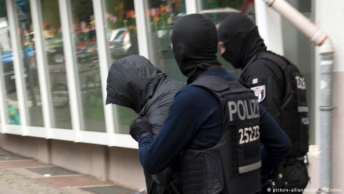 عکس از آرشیف/ پولیس آلمان یک پناهجو را به ظن تلاش برای تجاوز جنسی بالای یک دختر بازداشت کرد