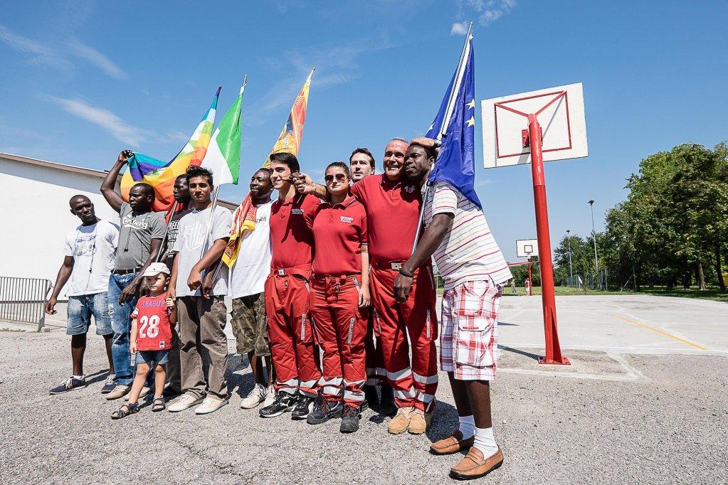 ANSA / مسيرة مؤيدة للأجانب في فينيتو. المصدر: أنسا.