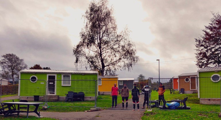 """مركز طالبي اللجوء في جالهاي بالقرب من مدينة لييج في بلجيكا. الصورة: مجموعة """"ميغراسيون ليبر"""" Migrations Libres."""