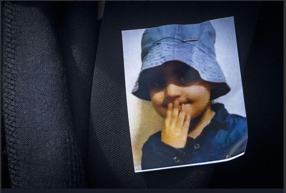 مودا، کودک پناهجوی کرد  در سال ٢٠١٨ در جنوب بروکسل، در جریان کنترول یک کامیون حامل مهاجران توسط پلیس کشته شد. عکس از تویتر