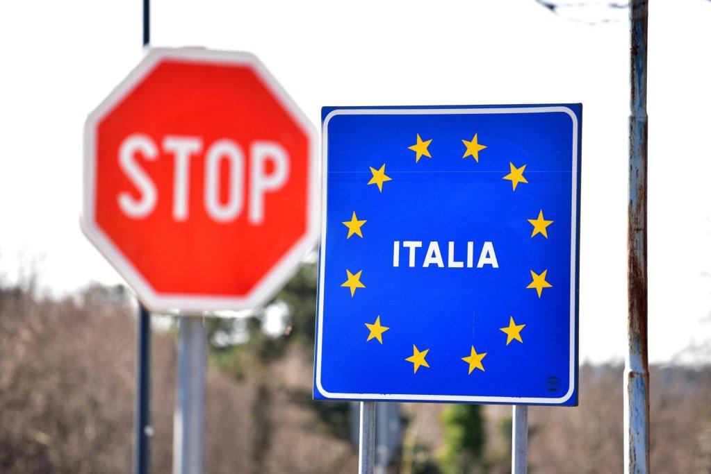 A border point between Slovenia and Italy in Lipica, Slovenia   Photo: EPA/Igor Kupljenik