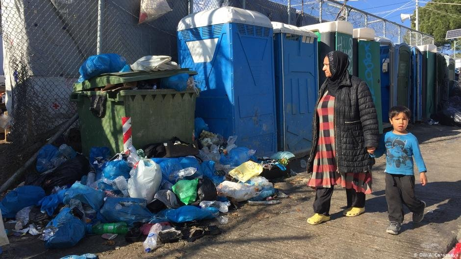 Living conditions in the Moria refugee camp are abysmal | Photo: DW/A. Carassava