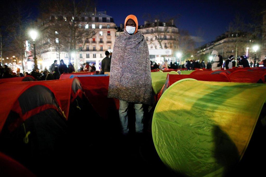 Le 25 mars 2021, le Collectif Réquisitions avait organisé une occupation de la Place de la République, à Paris pour attirer l'attention sur les conditions de vie des migrants. Crédit : Reuters