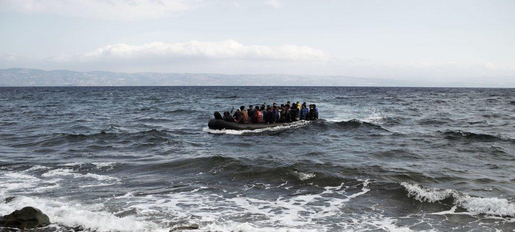 در  اکتوبر سال ۲۰۱۳ در حدود ۲۰۰مهاجر در اثر غرق شدن قایق جان شان را از دست دادند. عکس: یونیسف