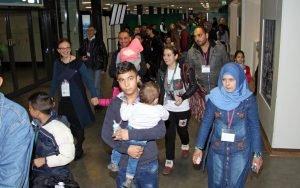 وصول عائلات سورية إلى مطار روما / الصورة لوكالة أنسا