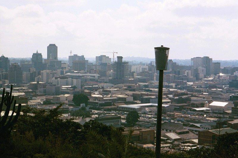 Photo: Andrew Balet, source: Wikipédia |Vue générale d'Harare, la capitale du Zimbabwe. (image d'illustration)