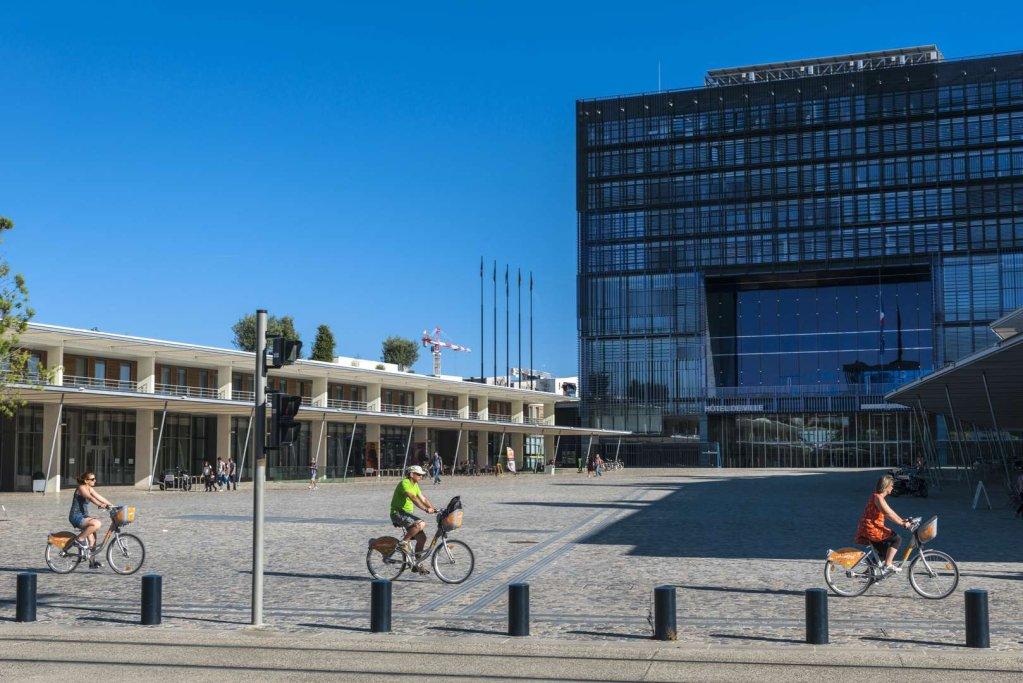 شهرداری مونپلیه، در جنوب فرانسه. عکس از مونپلیه توریزم