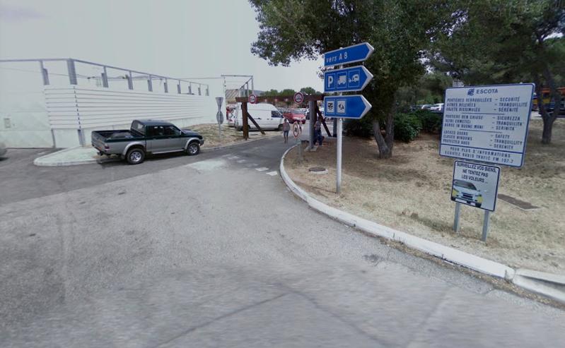 Le chauffeur qui circulait entre l'Italie et l'Espagne s'était arrêté pour dormir sur l'aire de repos de Rousset (Bouches-du-Rhône). Crédit : Google street view