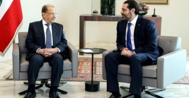 دالاتي ونهرا/أ ف ب  |رئيس الجمهورية اللبناني ميشال عون مستقبلا رئيس الوزراء سعد الحريري في قصر بعبدا في 24 أيار/مايو 2018.