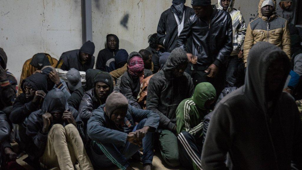 صورة من الأرشيف عن لادئي في معسكر احتجاز في ليبيا