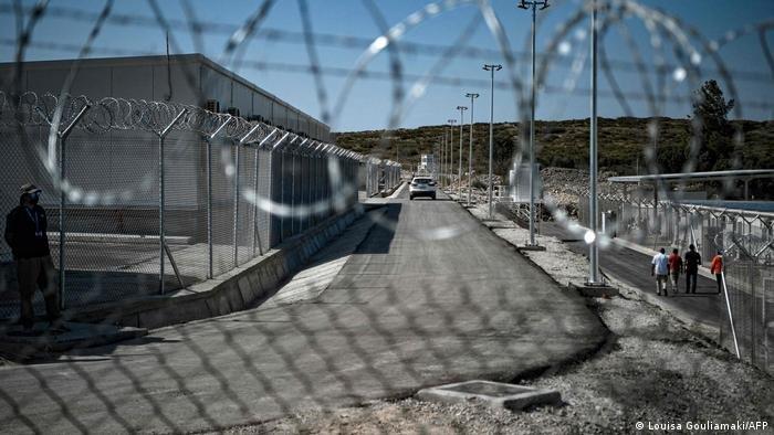 أعرب المدافعون عن حقوق الإنسان عن قلقهم من احتجاز طالبي اللجوء