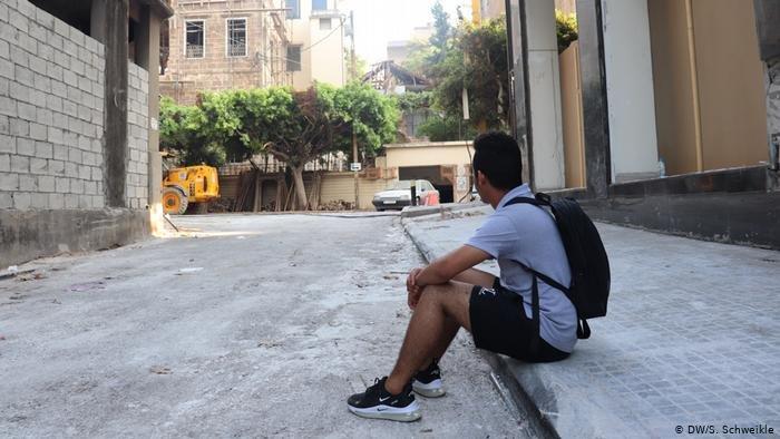 DW/S. Schweikle |فقد اللاجئ السوري محمد شقته سبب انفجار مرفأ بيروت ويخطط للهرب إلى تركيا