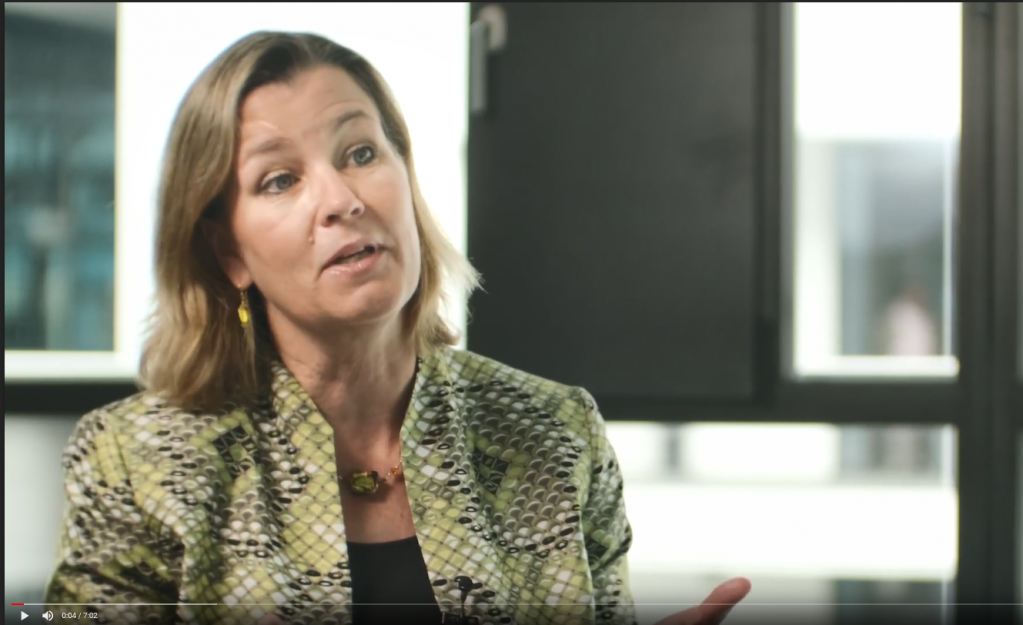 Screenshot of Kelly Clements, Deputy High Commissioner of the UNHCR in the Interview at InfoMigrants / DW | Photo: Cem Springer, InfoMigrants, DW