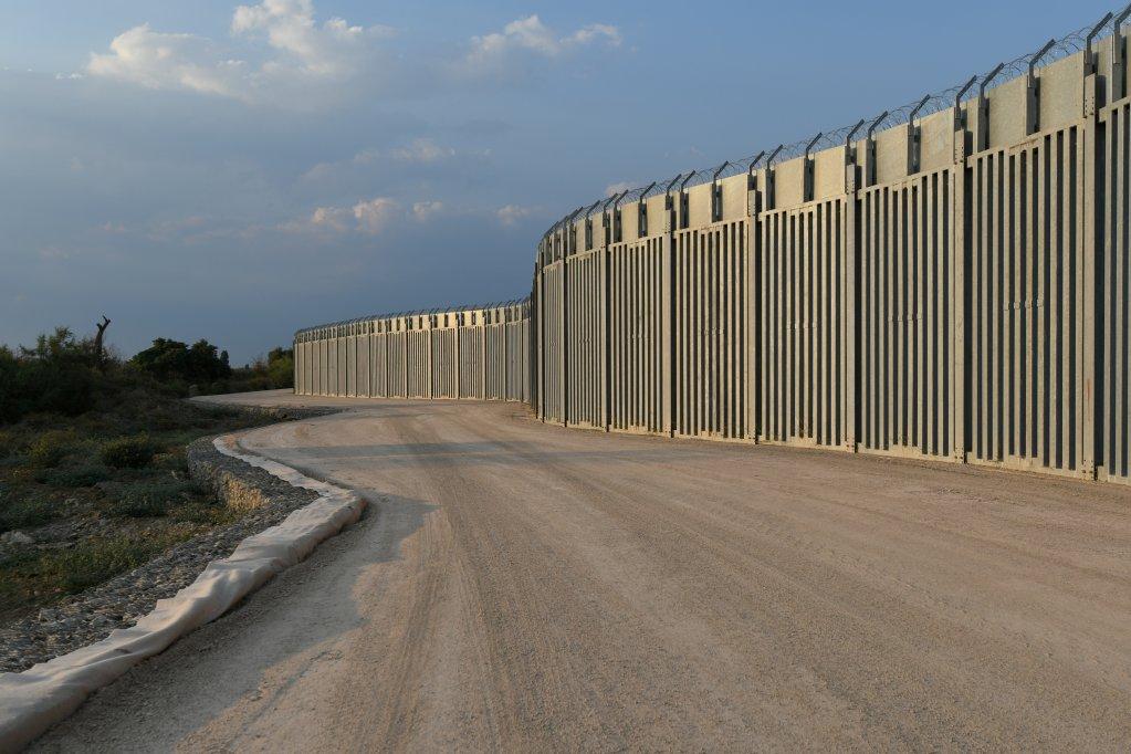 نمای حصار مرزی بین یونان و ترکیه. عکس: رویترز