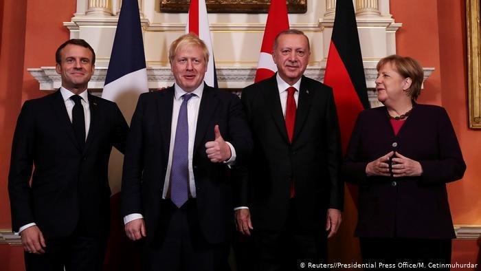 Reuters//Presidential Press Office/M. Cetinmuhurdar |لقاء سابق بين ميركل وأردوغان وجونسون وماكرون خلال قمة حلفة الناتو في لندن