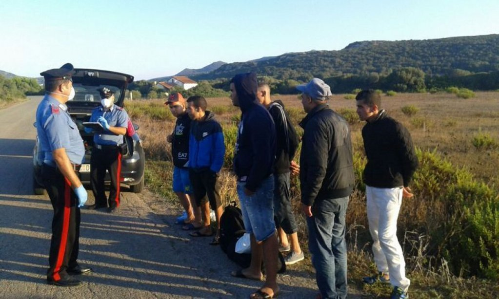 Archive: Carabinieri stop a group of migrants in Sardinia | Photo: ANSA