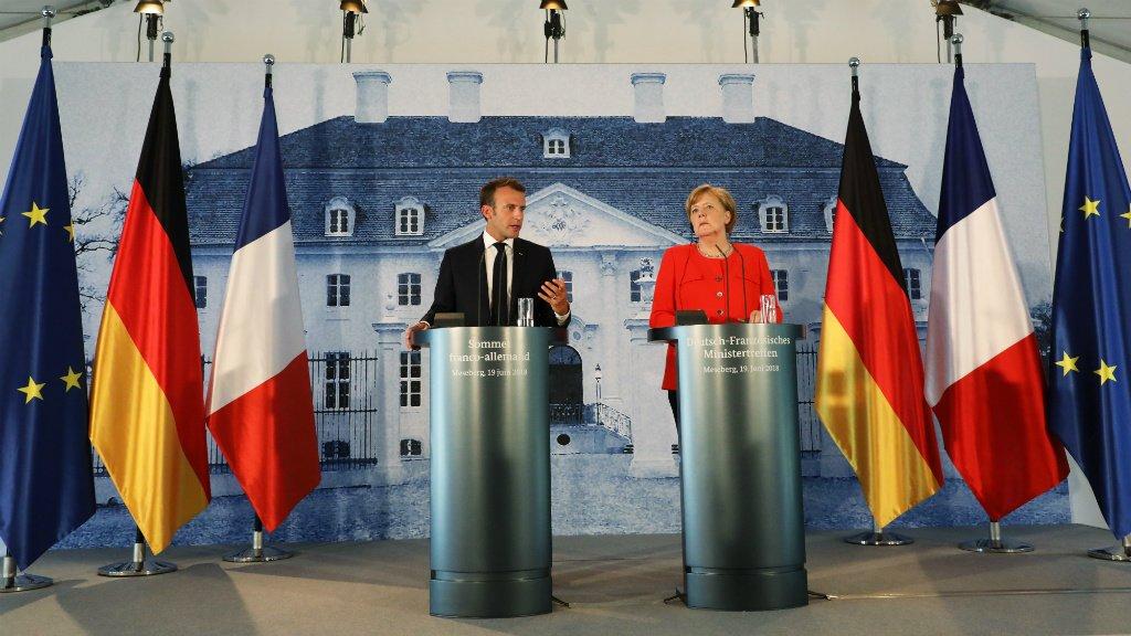 Ludovic Marin, AFP |Le président français Emmanuel Macron et la chancelière allemande Angela Merkel lors d'une conférence de presse, mardi 19 juin 2018, à Meseberg, près de Berlin.