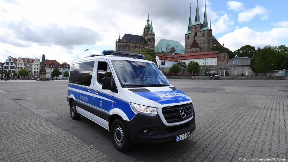 Police car in Erfurt | Photo: Picture-alliance/dpa/M.Schutt