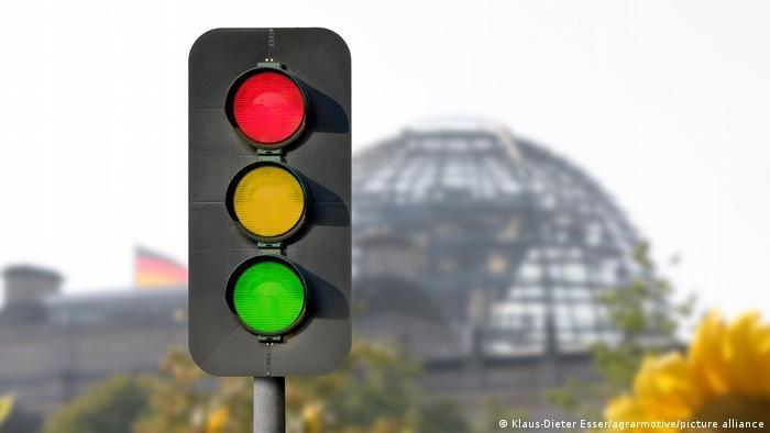 ائتلاف إشارة المرور الذي قد يحكم ألمانيا قريباً يسعى لإجراء تغييرات كبيرة في نظام الهجرة واللجوء