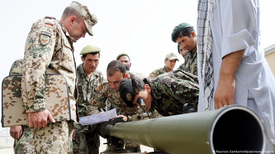 آلماني پوځونه له خپلو همکارانو سره په افغانستان کې. انځور: آرشیف