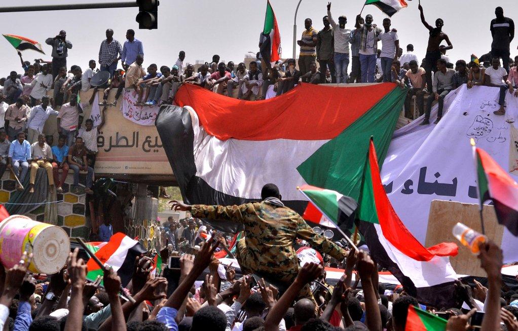 REUTERS/Stringer |Au Soudan (photo), alors que le nouveau pouvoir tente toujours de convaincre, les Soudanais de la diaspora, réfugiés politiques disséminés à travers le monde, s'impliquent.