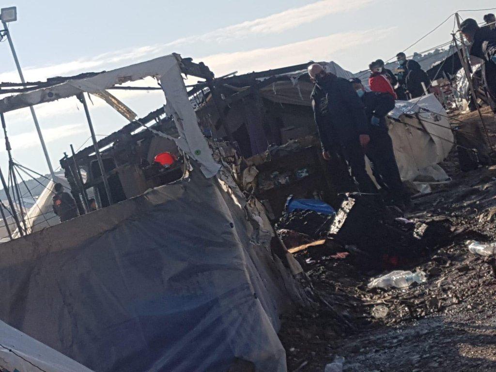آخرین آتش سوزی دریکی از خیمه های اردوگاه کارتیپه در ماه فبروری ۲۰۲۱ عکس: پناهجویان داخل اردوگاه