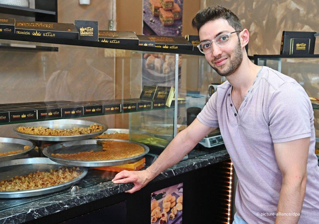 كانت لدى اللاجئ السوري محمد آمال وطموحات كبيرة حين وصل إلى ألمانيا قبل خمس سنوات