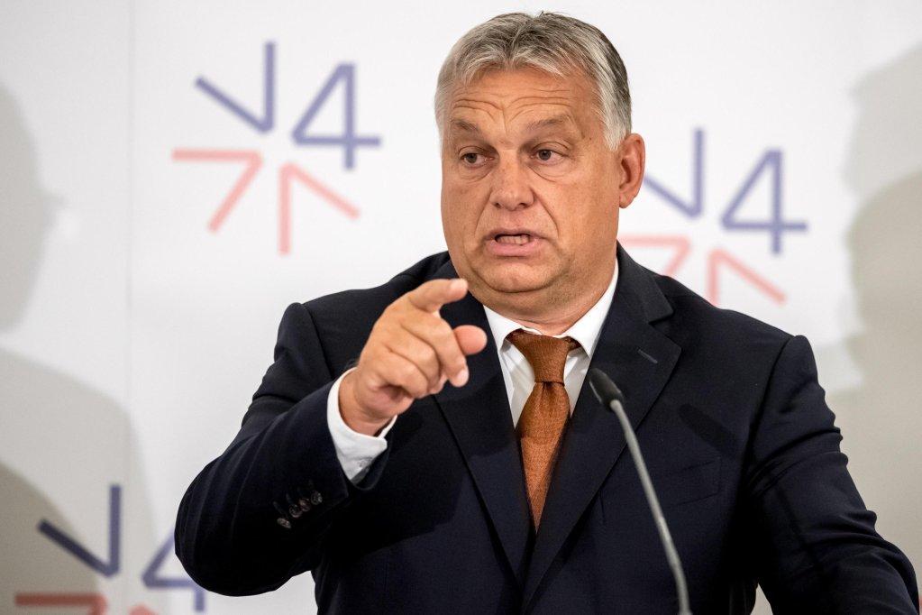 ANSA / رئيس وزراء المجر فيكتور أوربان خلال مؤتمر صحفي في براغ في 12 أيلول/ سبتمبر الجاري. المصدر: إي بي إيه / مارتن ديفيسيك.