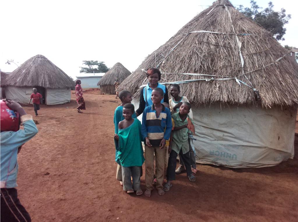 Nadine Mekougoum veut installer des boites à livres dans tous les camps de réfugiés du Cameroun. Crédit : Ulrich Talla Wamba