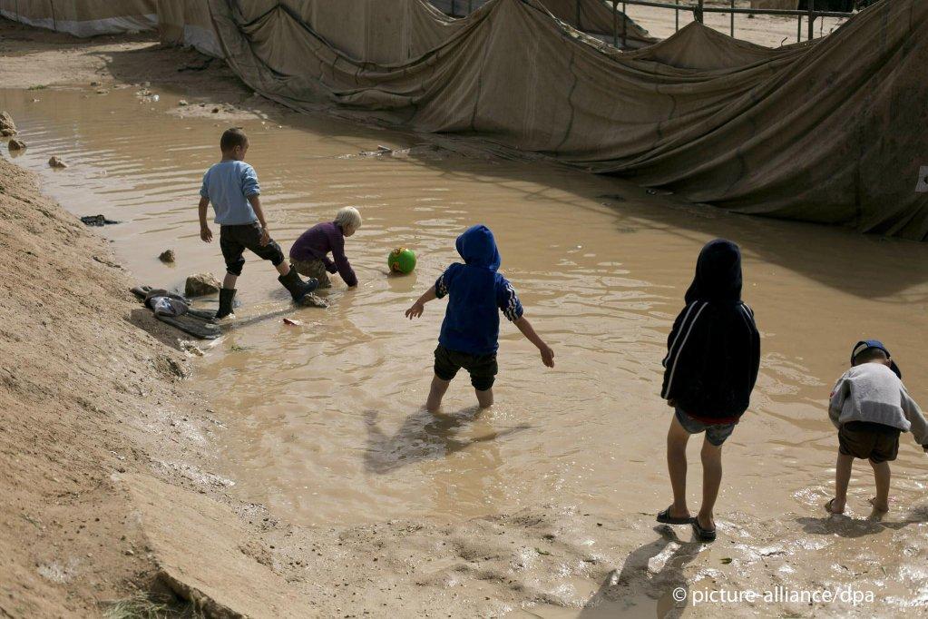 توفي 5 أطفال للاجئين في مخيم للاجئين في سوريا