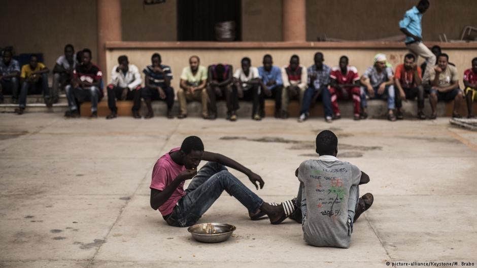 در گزارشی که توسط  یک فرستنده تلویزیونی به نام کانال ۴ ((Channel 4 نشر شده، تصاویر جدیدی از شکنجه آوارگان و مهاجران دیده در لیبیا می شود.