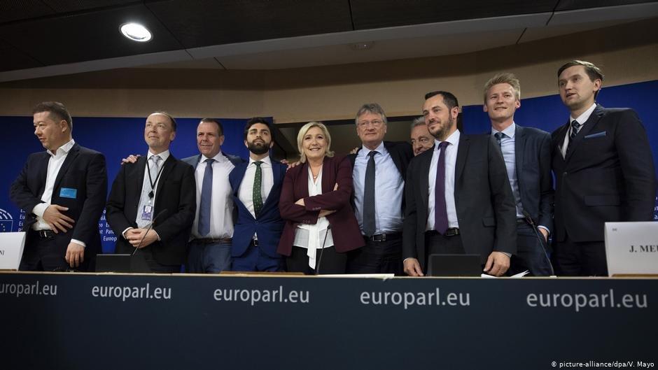 قرار است احزاب راستگرا، جناح تازهای را در پارلمان اروپا تشکیل بدهند.