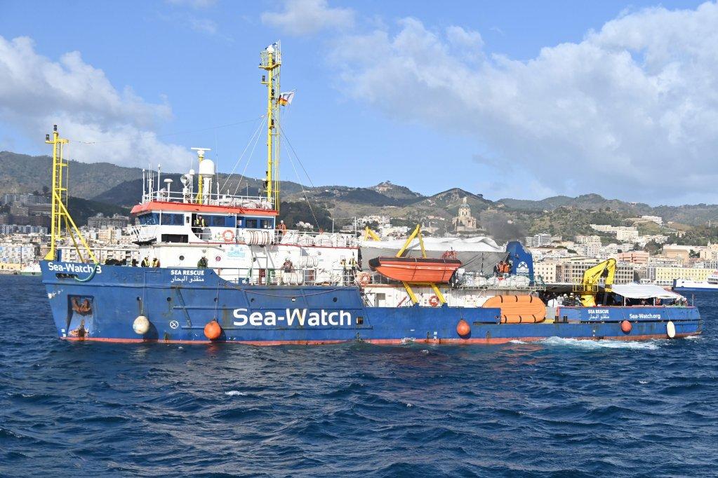 سفينة سي ووتش 3 أثناء دخولها ميناء ميسينا الإيطالي، 27 شباط\فبراير 2020. أنسا