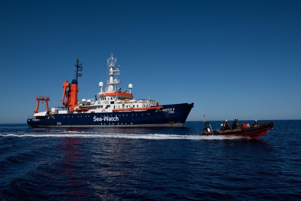 کشتی سی واچ ۴ اولین ماموریت خود را در مدیترانه روز ۱۵ اگست ۲۰۲۰ آغاز کرد.  عکس از سی واچ