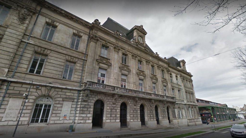 Capture d'écran du bâtiment de la Bourse du travail à Saint-Etienne. Crédit  : Google Street View