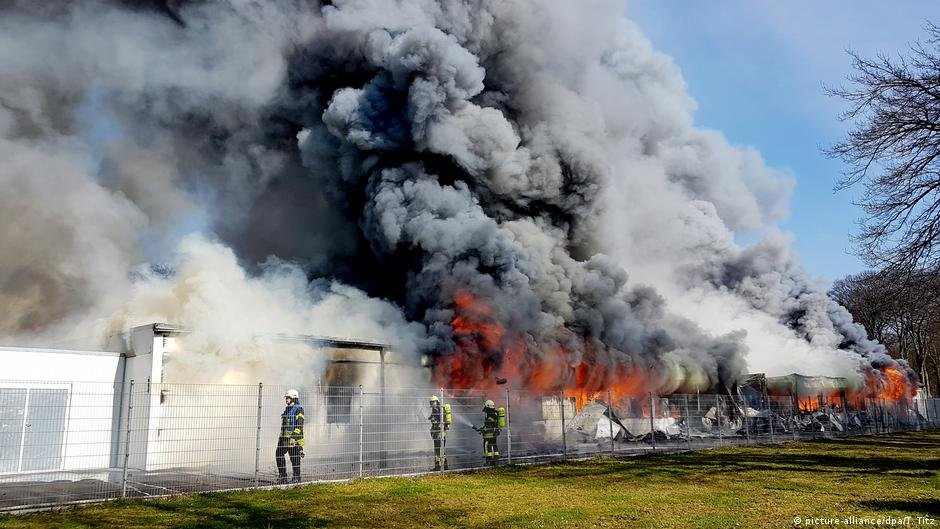 آتش سوزی در یکی از اردوگاه های پناهجویان در آلمان (عکس آرشیف)