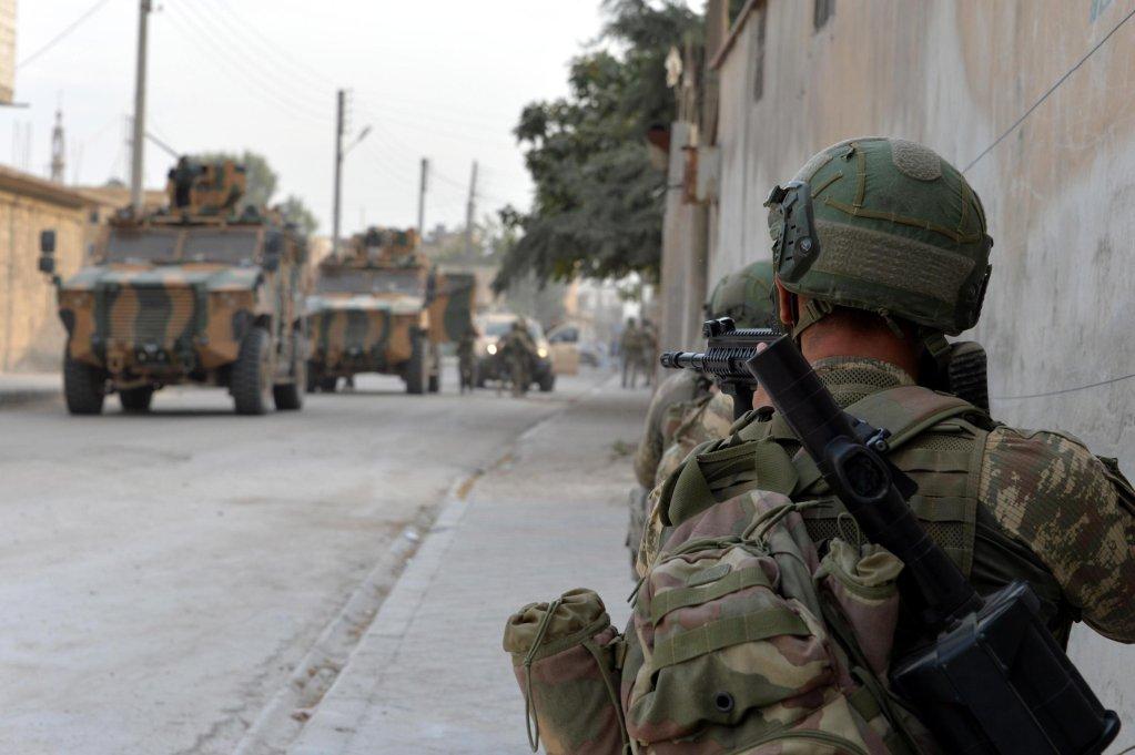 ANSA / جنود أتراك في مدينة تل أبيض بشمال سوريا. المصدر: إي بي إيه / وزارة الدفاع التركية.