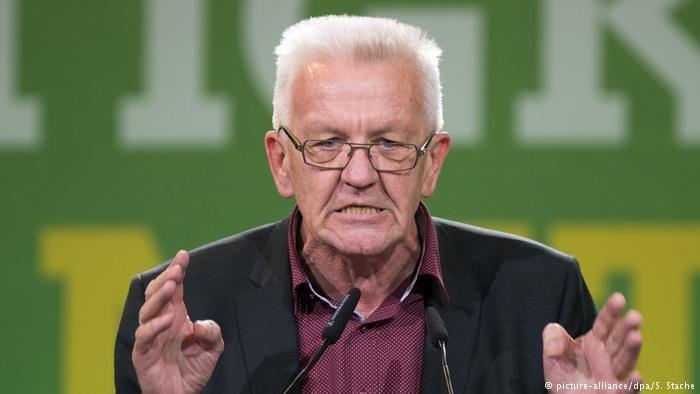 picture-alliance/dpa/S. Stache |رئيس وزراء ولاية بادن فورتمبيرغ فينفريد كريتشمان
