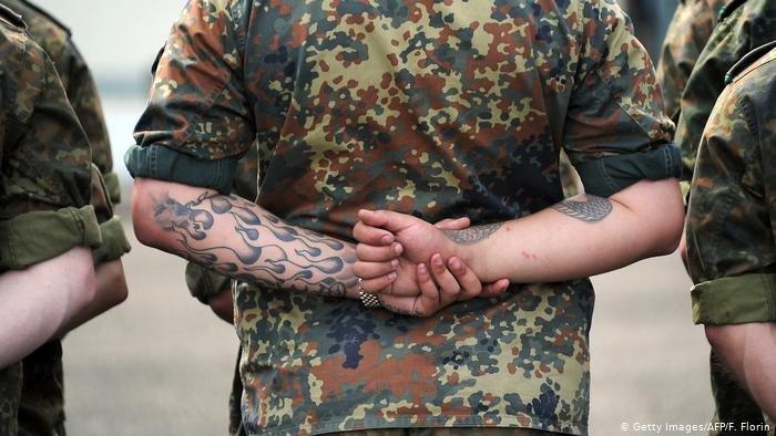 ضابط في الجيش الألماني فرانكو أ نجح بانتحال صفة لاجئ سوري فر ويُشتبه في أنه خطط لهجوم على شخصيات سياسة هامة