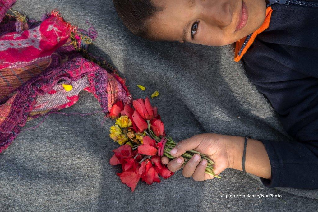 حياة لاجئين أفغان على جزيرة  لسبوس اليونانية