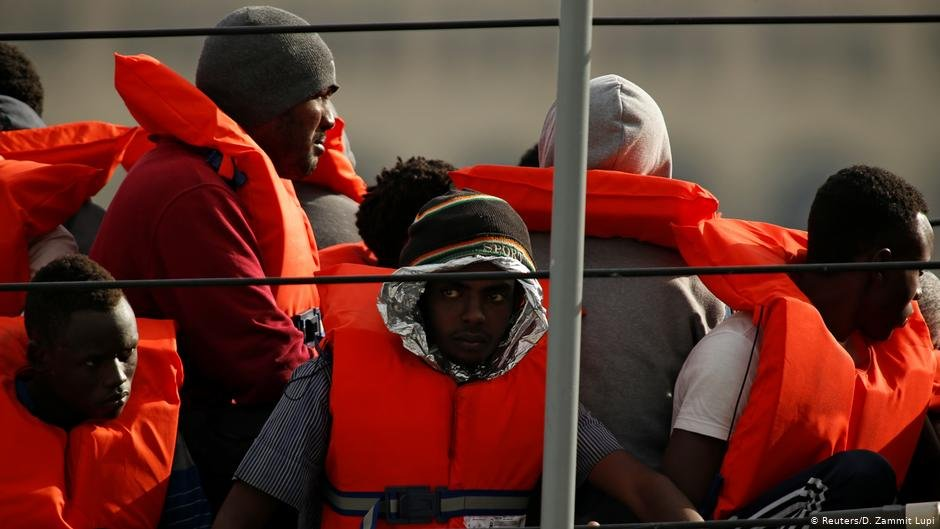 Rescue boat with immigration aboard | Photo: Reuters/D.Zammit Lupi