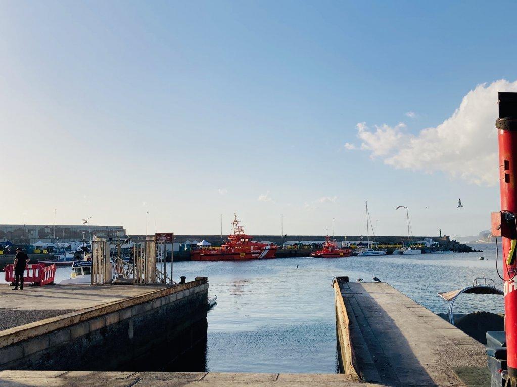 تقع مدينة أرغوينيجوين الساحلية في قلب أماكن تدفق المهاجرين على جزر الكناري   الصورة: ماركو وولتر