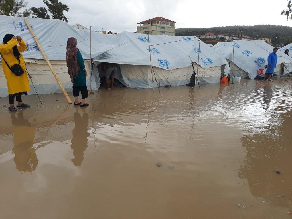 صورة لمخيم كارتيبي في ليسبوس بعد هطول الأمطار في شهر أكتوبر/تشرين الأول