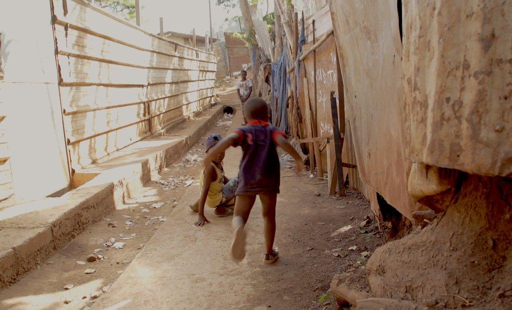 Mayotte fait figure d'Eldorado pour les migrants, qui tentent, souvent au péril de leur vie, de rejoindre l'île française. Crédit : Valentine Patry