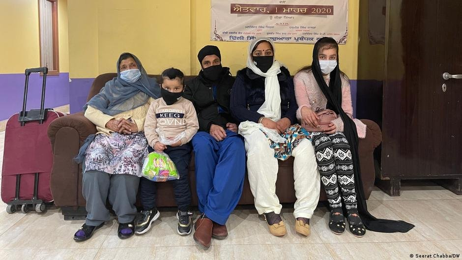 A family of Sikh refugees from Afghanistan who fled to New Delhi in 2020   Photo: Seerat Chaba/DW