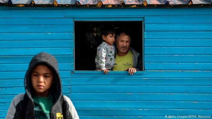 Getty Images/AFP/A. Messinis |أوضاع أكثر من أربعة آلاف طفل على الجزر اليونانية تثير مخاوف منظمات الإغاثة التي تطالب بتخفيف العبء عن اليونان واستقبال هؤلاء الأطفال